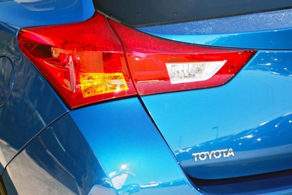 2013 Toyota Corolla ZRE182R Ascent Sport Hatchback image 17