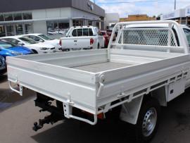 2011 Nissan Navara D40  RX Cab chassis - single cab