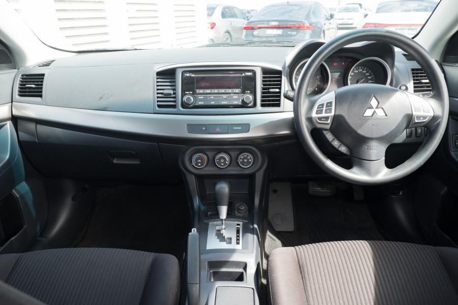 2013 Mitsubishi Lancer Image 15