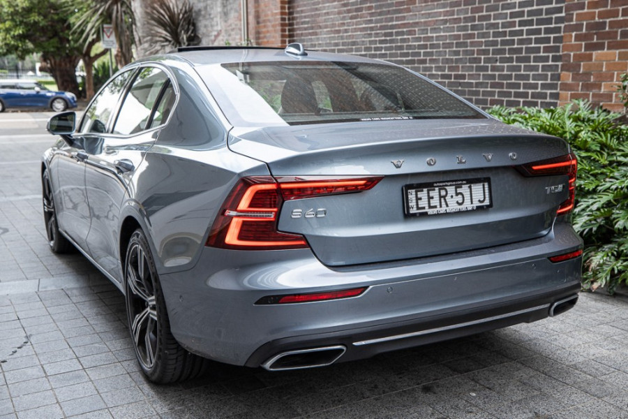 2020 Volvo S60 Z Series T5 Inscription Sedan Image 3