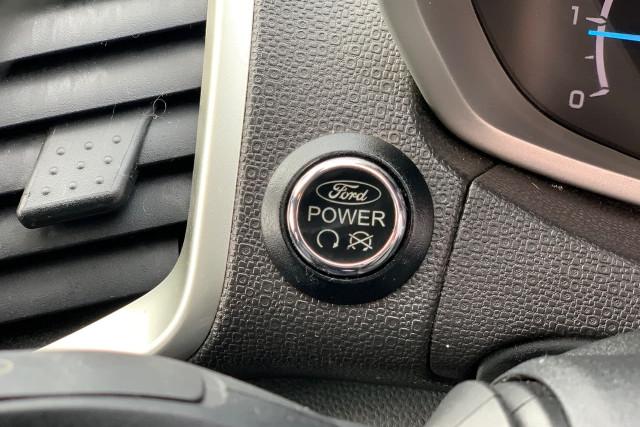 2015 Ford EcoSport Titanium 10 of 24