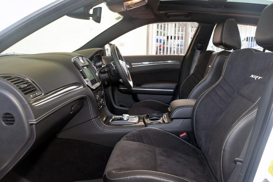 2018 MY19 Chrysler 300 SRT LX SRT Sedan Mobile Image 7