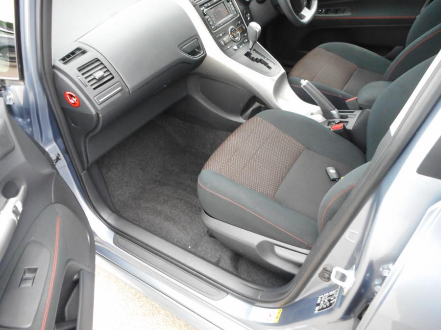 2010 MY11 Toyota Corolla ZRE152R  Levin ZR Hatchback Image 13