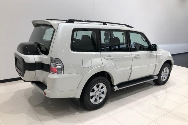 2019 Mitsubishi Pajero NX GLX 7 seat wagon Image 4