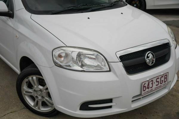 2011 Holden Barina TK MY11 Sedan Image 2