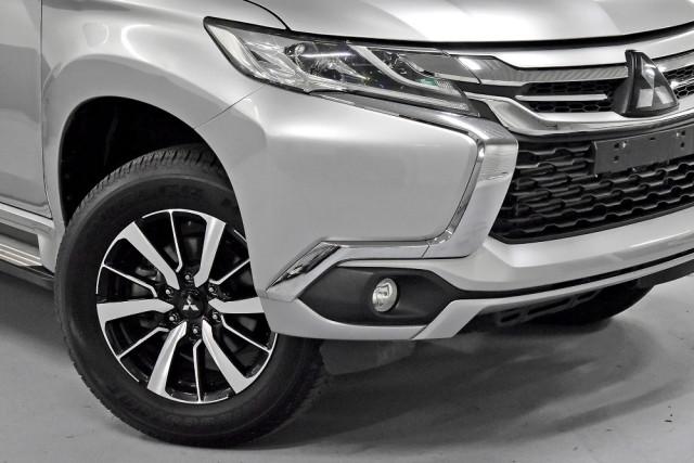 2018 Mitsubishi Pajero Sport QE GLS Suv Image 5