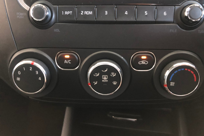2016 Kia Cerato YD MY16 S Hatchback Image 16
