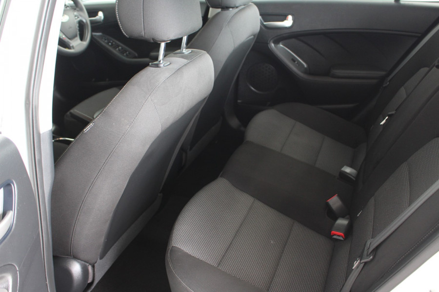 2016 MY17 Kia Cerato YD MY17 S Sedan Image 11