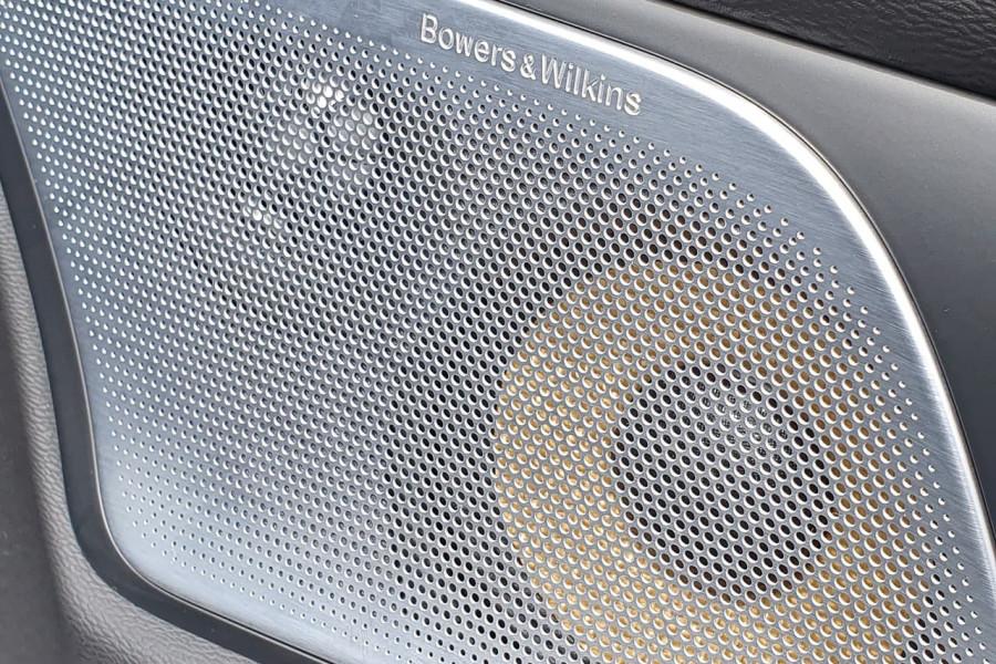 2020 Volvo S60 Z Series T8 R-Design Sedan Mobile Image 14