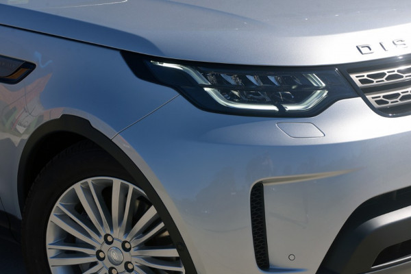 2018 MY19 Land Rover Discovery Series 5 SE Suv Image 2