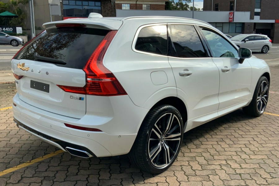 2018 MY19 Volvo XC60 246 MY19 D5 R-Design (AWD) Suv Mobile Image 4