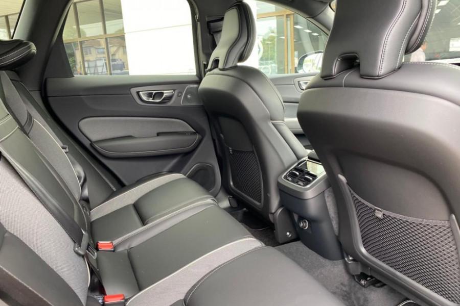 2020 Volvo XC60 UZ T6 R-Design Suv Mobile Image 14