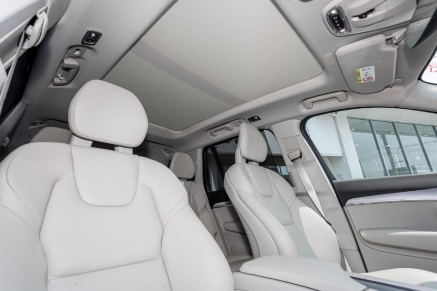 2019 MY20 Volvo XC90 L Series T6 Momentum Suv Image 24