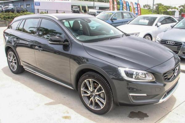 2016 Volvo V60 F MY16 D4 Luxury Cross Country Wagon Image 5