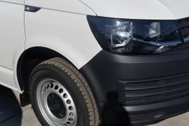 2019 Volkswagen Transporter T6 LWB Crewvan Van Image 3