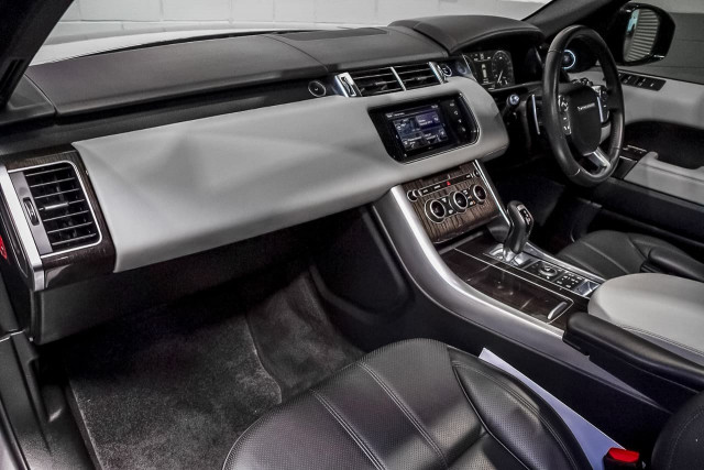 2016 Land Rover Range Rover Sport L494 MY16.5 SDV6 HSE Dynamic Suv Image 8