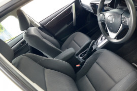 2016 Toyota Corolla ZRE172R ASCENT Sedan image 5