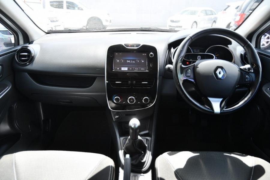 2015 Renault Clio IV B98 Expression Hatchback Image 8