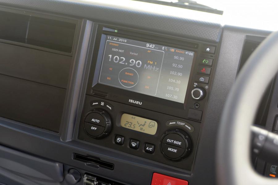 2019 Isuzu F Series FRR 110-260 XLWB 7.8L T/D 6Spd Manual Cab chassis Mobile Image 9