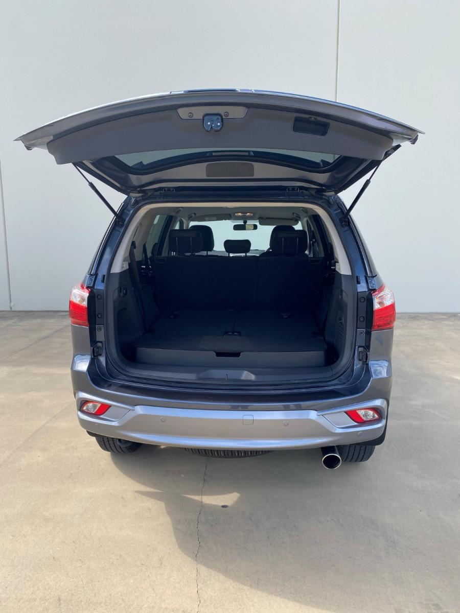 2019 Isuzu UTE MU-X LS-T 4x2 Wagon Image 6