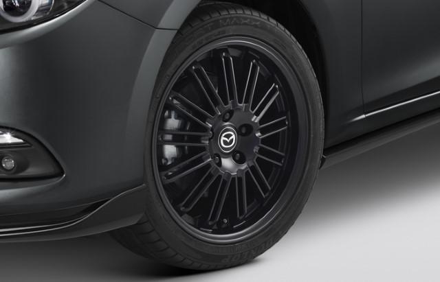 """<img src=""""18-Inch Multi-Spoke Black Alloy Wheel"""