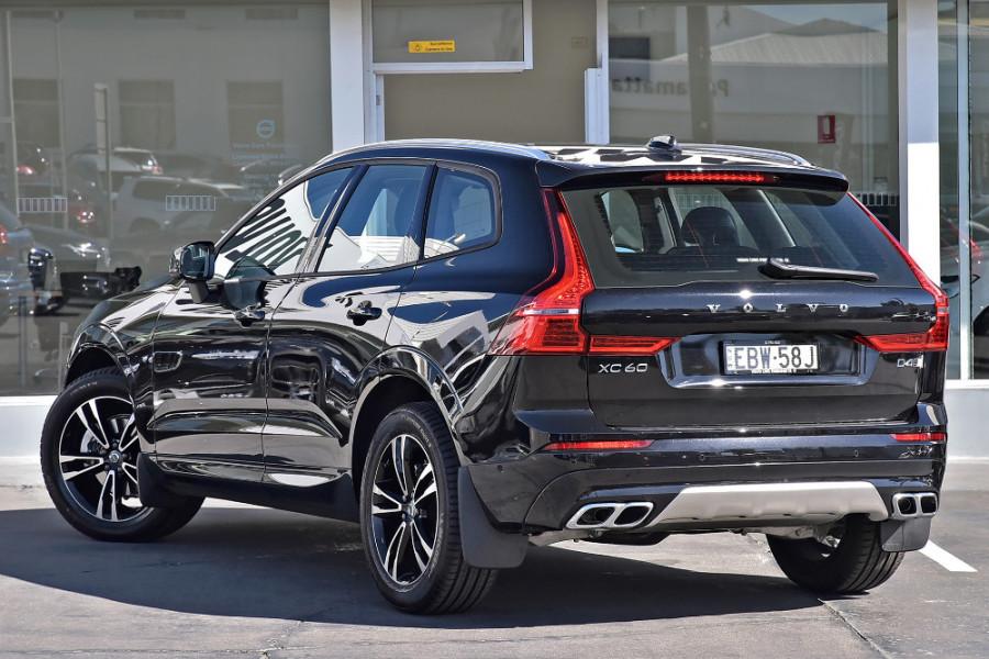 2019 Volvo XC60 UZ D4 Momentum Suv Mobile Image 2