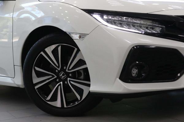 2017 Honda Civic 10th Gen  VTi Hatch Image 4