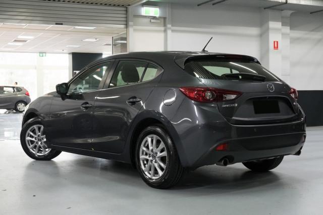 2016 Mazda 3 Hatchback Image 2