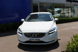 Volvo V40 T4 Inscription (No Series) MY18