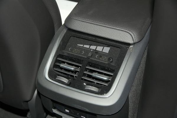 2019 MY20 Volvo V60 F-Series T5 Momentum Wagon Image 5