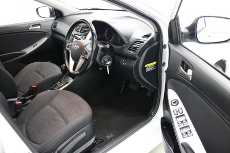2018 MY19 Hyundai Accent RB6 MY19 SPORT Sedan Image 4