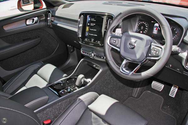 2020 Volvo XC40 XZ T5 R-Design Suv Image 5