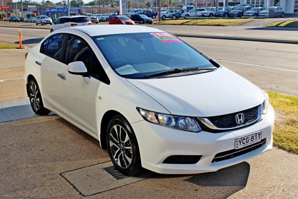 2015 Honda Civic 9th Gen Ser II  VTi-S Sedan Image 4
