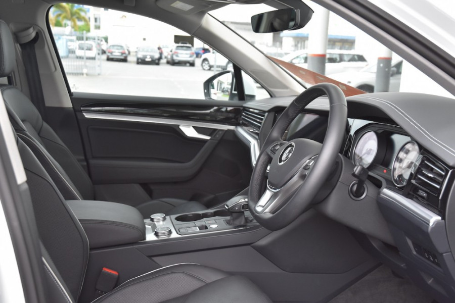 2019 Volkswagen Touareg CR MY19 190TDI Suv Image 10