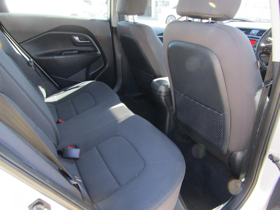 2013 Kia Rio UB  SLi Hatchback Image 11