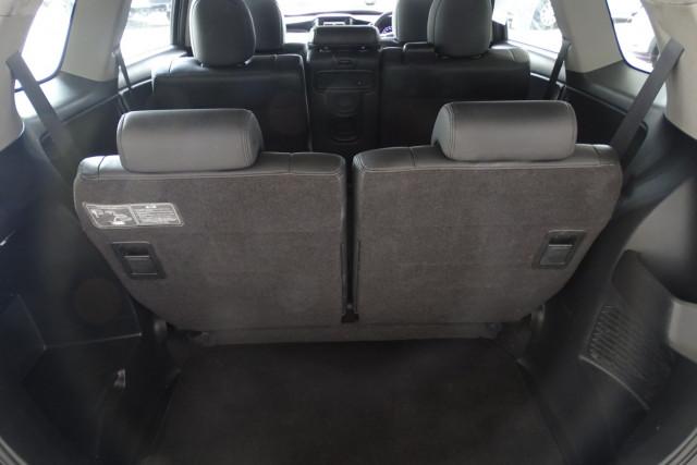 2011 Honda Odyssey Luxury 15 of 30