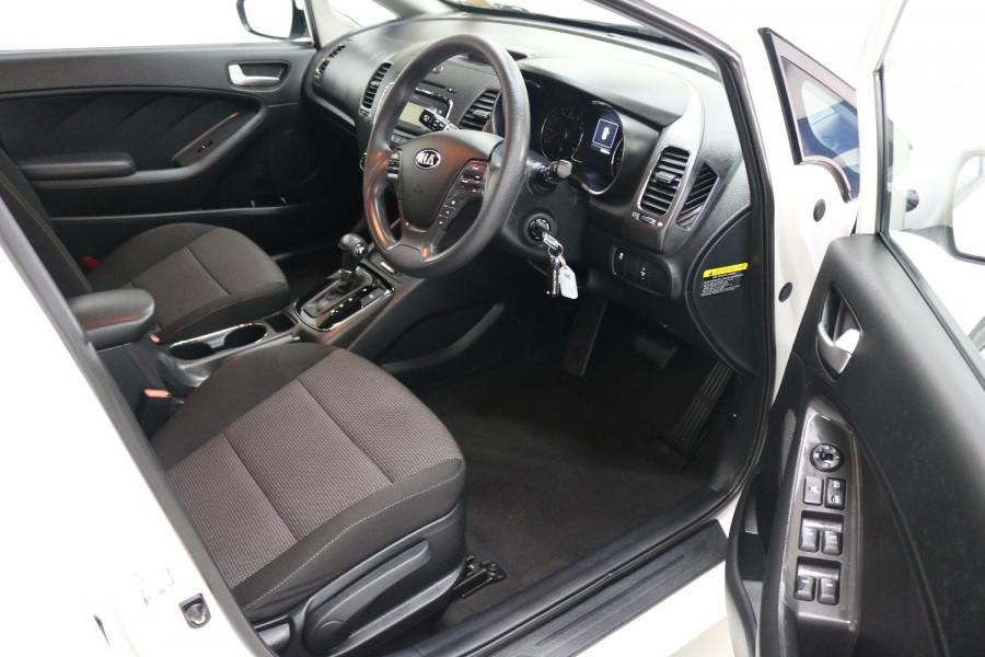 2016 Kia Cerato YD MY17 S Hatchback