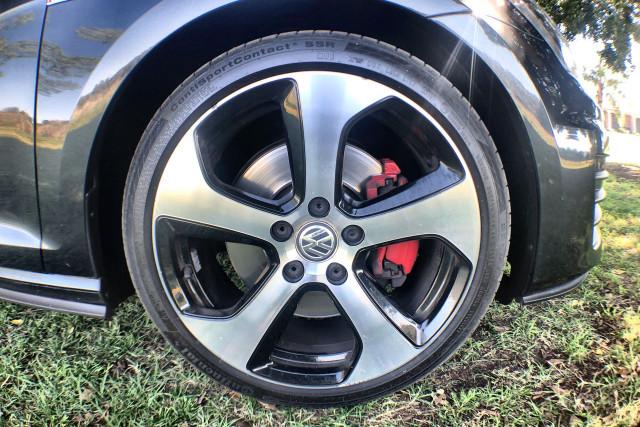 2015 Volkswagen Golf 7 GTI Hatch Image 2