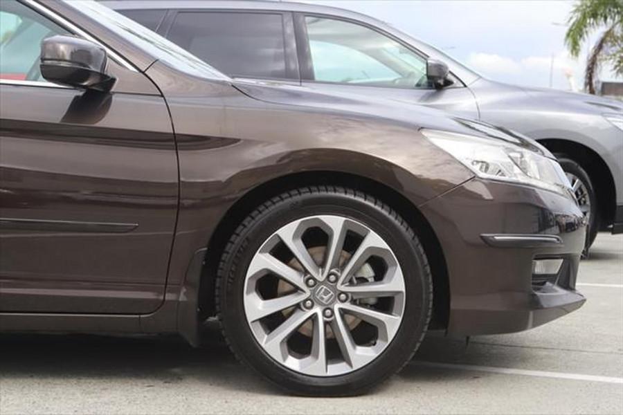 2015 Honda Accord 9th Gen MY15 V6L Sedan