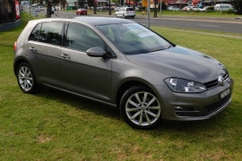 Volkswagen Golf 103TSI Highline VII Turbo