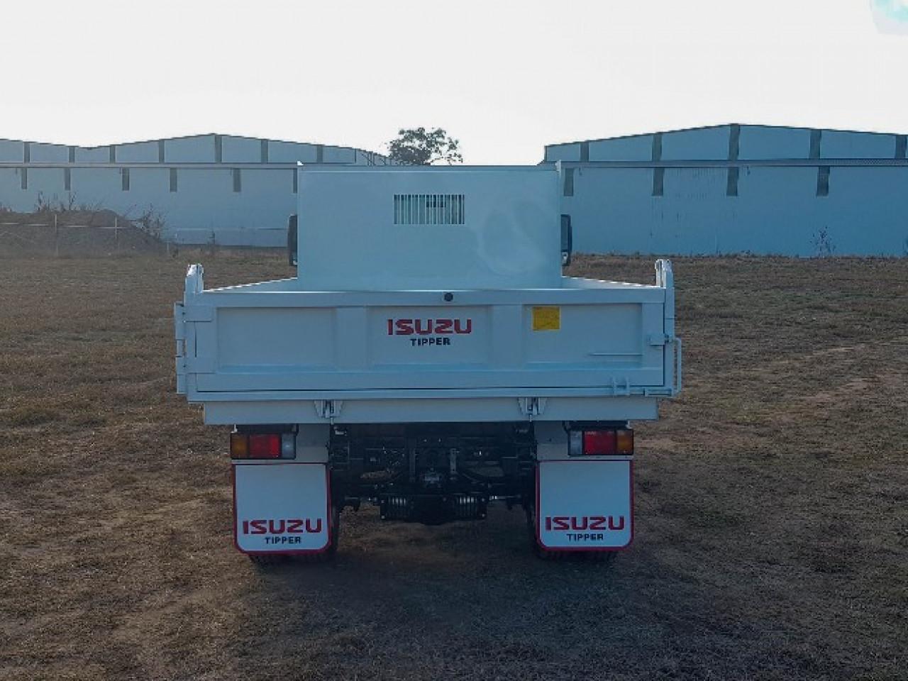 2018 Isuzu F Series FRR 107-210