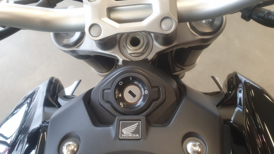 2019 Honda CB1000R CB1000R Image 18