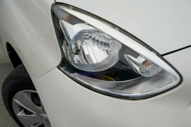 2016 MY15 Nissan Micra K13 Series 4 MY15 ST Hatchback Mobile Image 5
