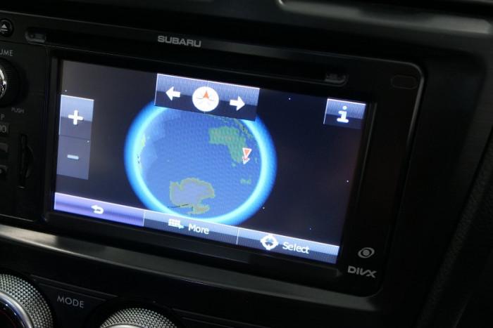 2014 Subaru XV G4-X 2.0i-S Suv Image 10