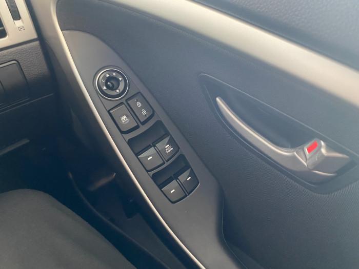 2014 Hyundai I30 GD2 Active Hatchback Image 21
