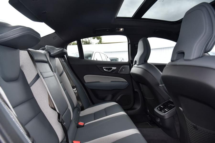 2021 Volvo S60 Z Series T5 R-Design Sedan Image 7