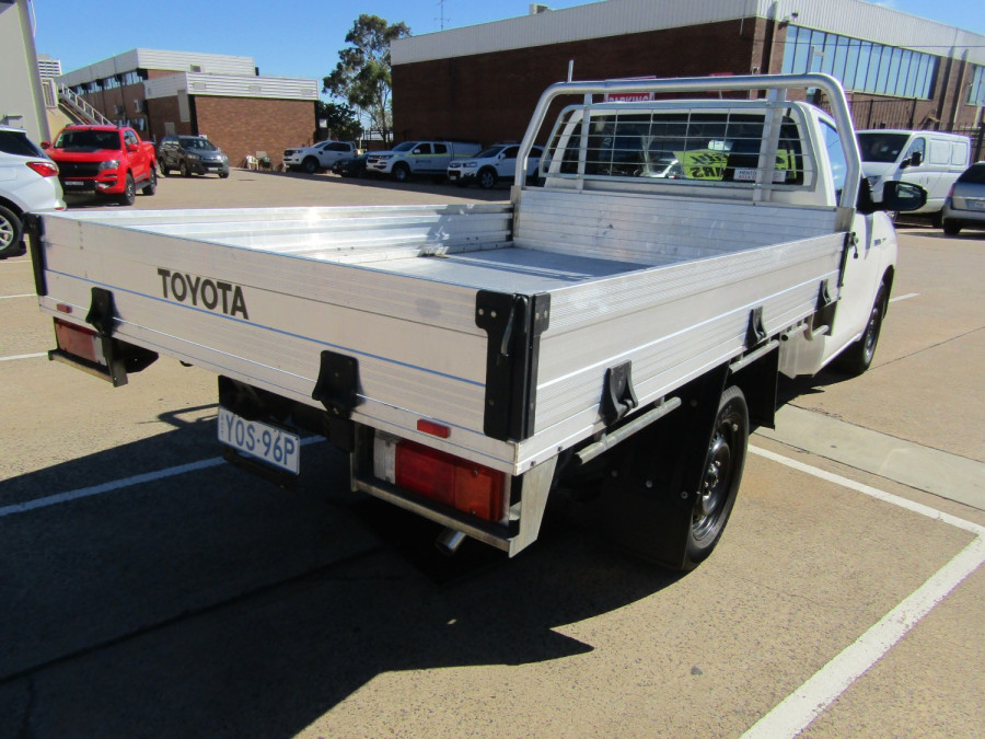 2018 Toyota HiLux WorkMate 4x2 Single-Cab Cab-Chassis Cab chassis Image 23