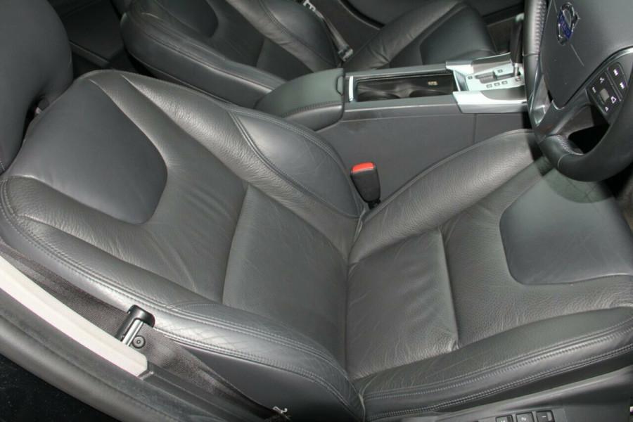 2012 Volvo S60 Wagon Image 9
