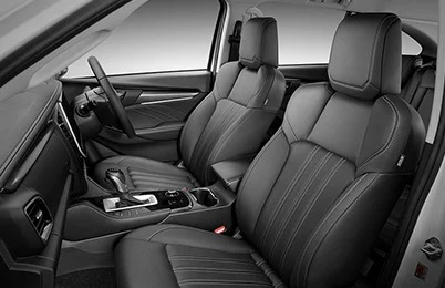 7-Seat Leather Accented Interior Image