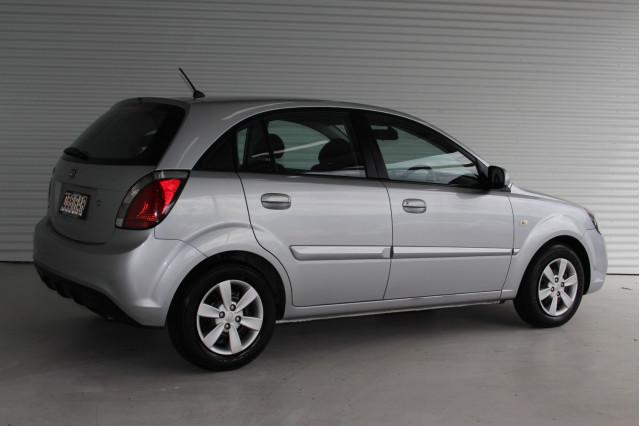 2010 Kia Rio JB MY10 S Hatchback Image 2